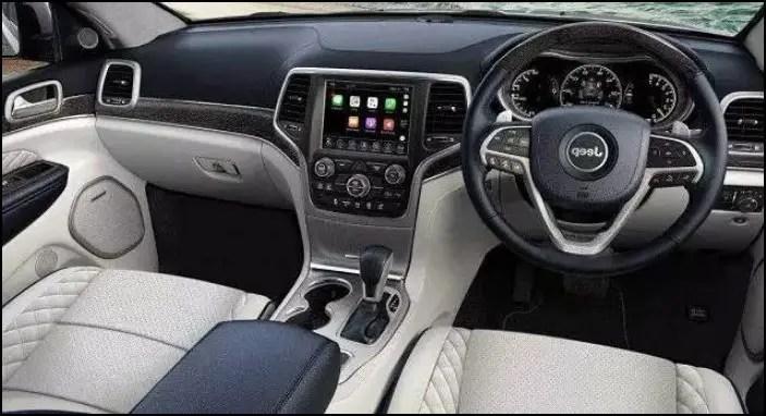 2022 Jeep Grand Wagoneer Interior