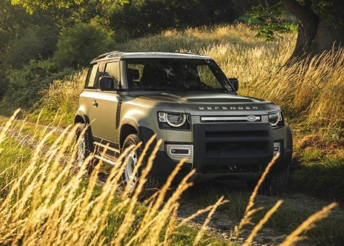 2022 Land Rover Defender V8 Performance Review