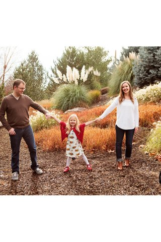 Family holiday portrait photographer in Kennewick, WA: Adored by Meghan Rickard Photography
