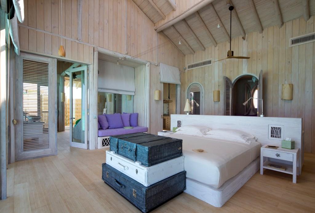 1 Bedroom Water Retreat_Master Bedroom by Richard Waite