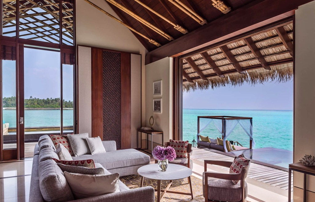 one_only_reethirah_accommodation_grandwatervilla_livingroom-1