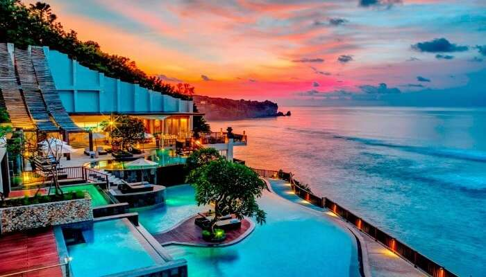 A-romantic-beach-resort-in-Bali-at-the-time-of-sunset-SS19062017