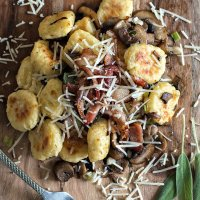 Easy Toasted Gnocchi Recipe with Sautéed Mushrooms and Crispy Bacon