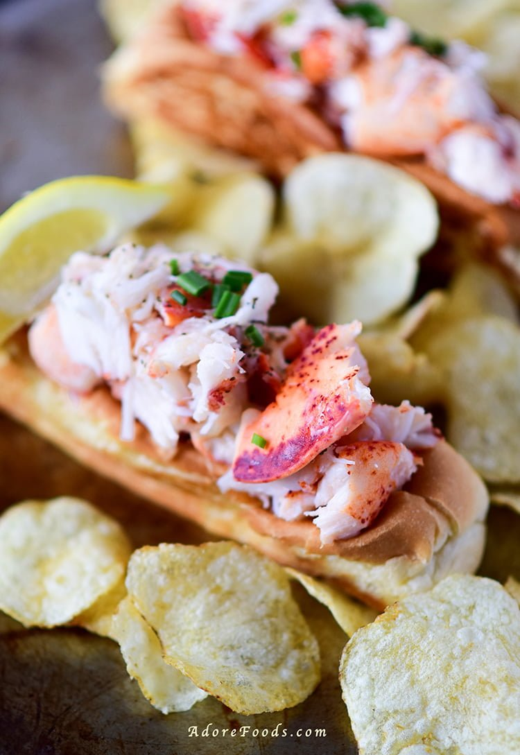 How to make the best, juicy Lobster Rolls you have ever tasted!