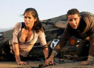 Megan Fox und Shia LaBoeuf in TRANSFORMERS - © Paramount Pictures