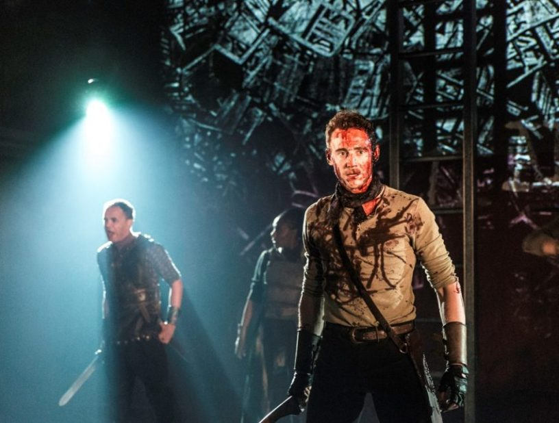 Szenenbild aus NT Live: CORIOLANUS - Tom Hiddleston - Photo by Johan Persson