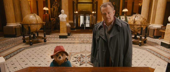 Szenenbild aus PADDINGTON - Paddington und Mr. Brown (Hugh Bonneville) - © Studiocanal