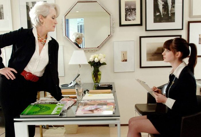Szenenbild aus THE DEVIL WEARS PRADA - DER TEUFEL TRÄGT PRADA - Miranda (Meryl Streep) und Andy (Anne Harthaway) - © 20th Century Fox