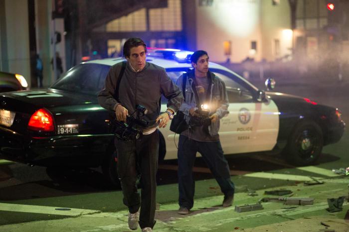 NIGHTCRAWLER - Rick (Riz Ahmed) und Louis (Jake Gyllenhaal) unterwegs - © Concorde Filmverleih
