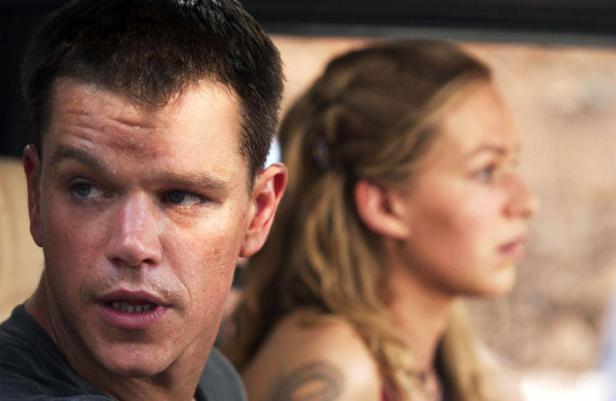 Jason (Matt Damon) und Marie (Franka Potente) auf der Flucht - © Universal Pictures