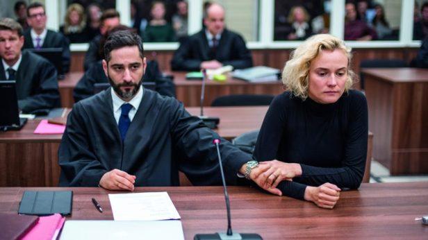 Filmstill aus AUS DEM NICHTS - Danilo Fava (Denis Moschitto) und Katja (Diane Kruger) vor Gericht - © Warner Bros.