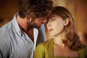 Szenenbild aus THE DRESSMAKER (2015) - Der Mann in Tillys Seite: Teddy (Liam Hemsworth) - © Ascot Elite Home Entertainment