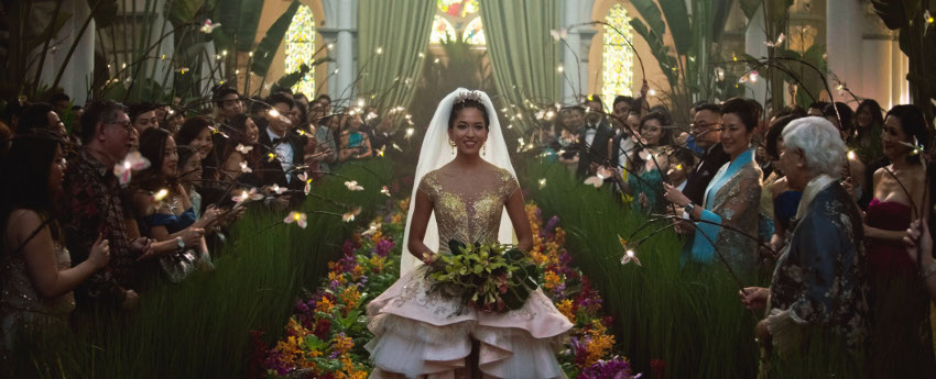 Szenenbild aus CRAZY RICH ASIANS (2018) - Aramintas (Sonoya Mizuno) Hochzeit - © 2018 Warners Bros.
