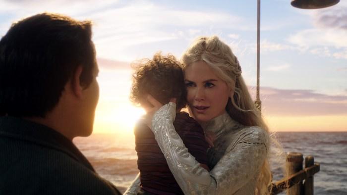 Szenenbild aus AQUAMAN (2018) - Atlanna (Nicole Kidman) möchte ihren Sohn beschützen. - © Warner Bros.