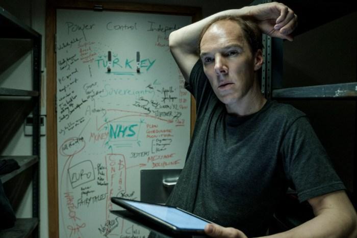 Szenenbild aus BREXIT: THE UNCIVIL WAR (2018) - Dominic (Benedict Cumberbatch) entwickelt eine Strategie. - © Polyband Medien