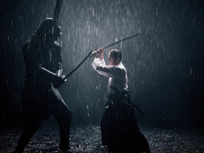 Szenenbild aus PROFESSOR T. - 3. Staffel (2019) - Innere Dämonen:  Samurai (Michael Hayn) gegen Professor T (Matthias Matschke) -  © ZDF/Thomas Jahn