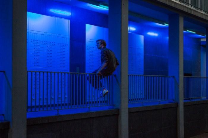 Szenenbild aus DIE NACHT KURZ VOR DEN WÄLDERN - Theater Basel - ©Kim Culetto