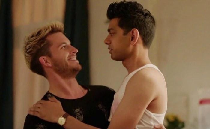 Szenenbild aus CRASHING - Sam (Jonathan Bailey) und Fred (Amit Shah) - © Channel 4