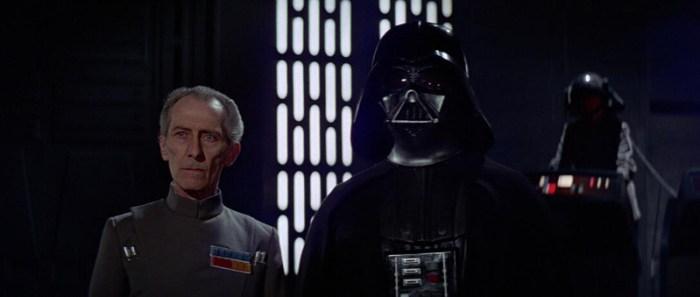 Szenenbild aus STAR WARS - EPISODE 4: A NEW HOPE - Tarkin (Peter Cushing) und Darth Vader (David Prowse) - © 20th Century Fox