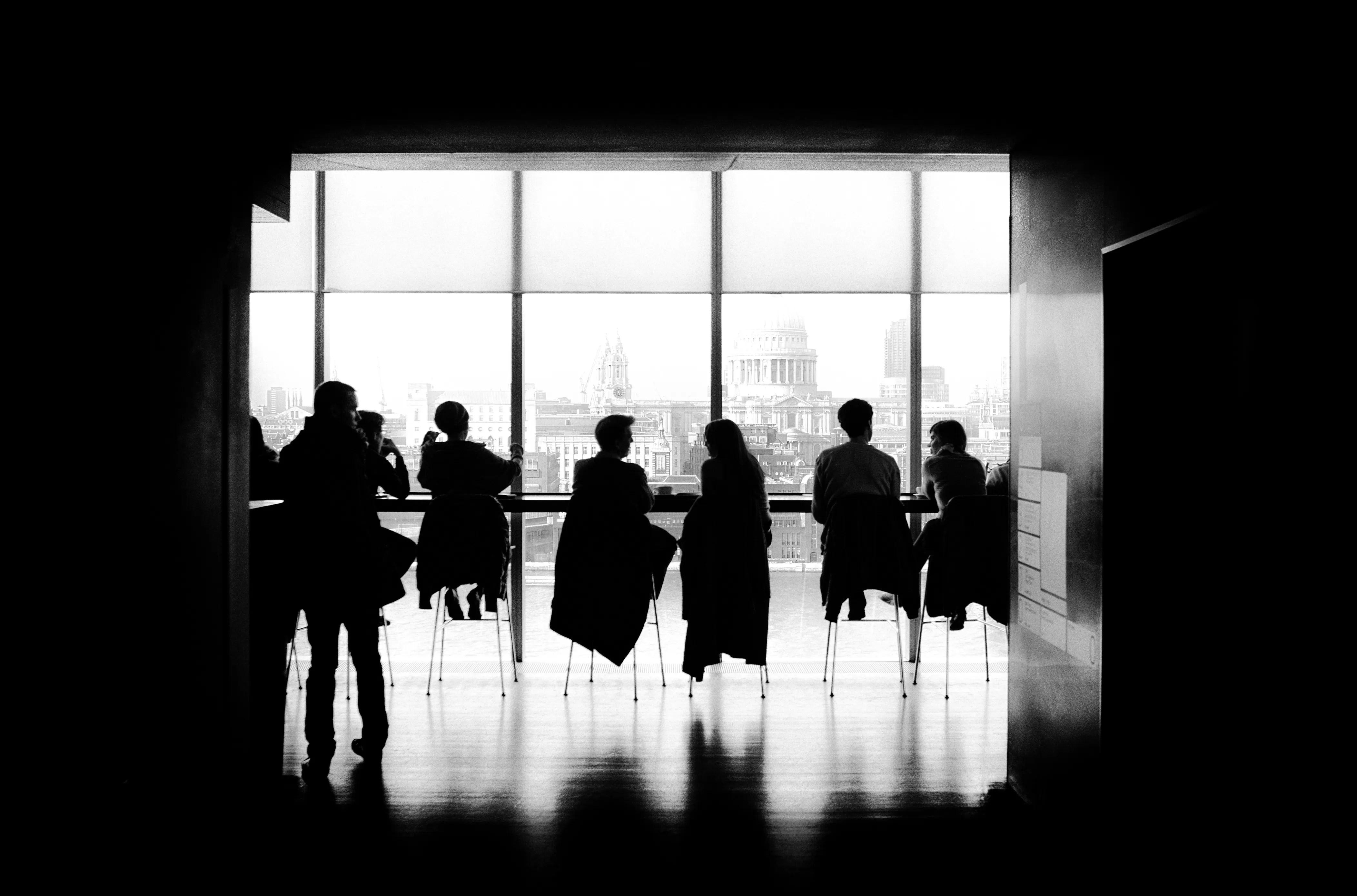 Coworking cria ambiente favorável para start-ups, mas falta de privacidade é queixa de 64% dos brasileiros.