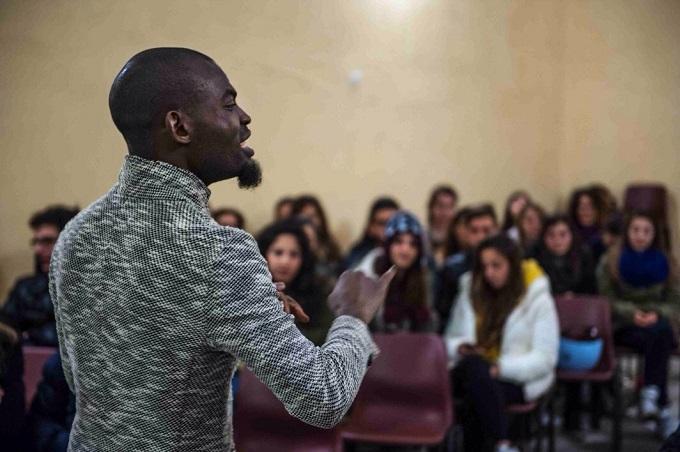 La Poesia Dell'integrazione – Una Studentessa Scrive
