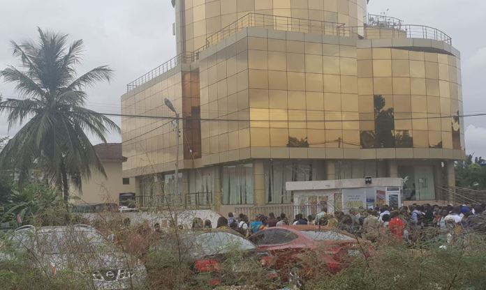 Menzgold customers continue to demand a refund of their investment, as the firm has shut down operations