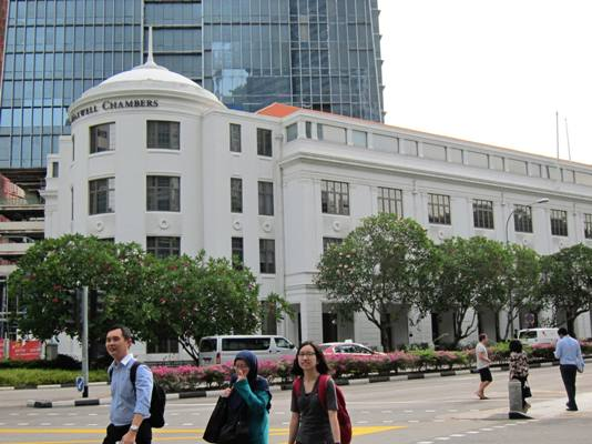 Singapore International Arbitration Centre (SIAC) is among the top arbitration institutions.