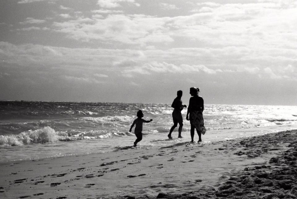 Dallas Photographer Adria Lea Photography black and white film photography, family on beach