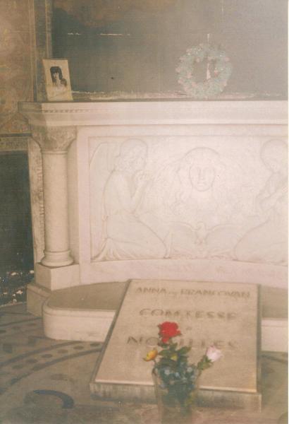 Tombe d'Anna de Noailles au cimetière du Père Lachaise à Paris