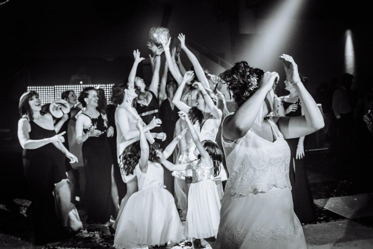 Boda Flor y Guille - Boda en Darwin San Isidro y registrado por la premiada fotógrafa de boda en Buenos Aires Adriana Carolina. Fotografía de boda.