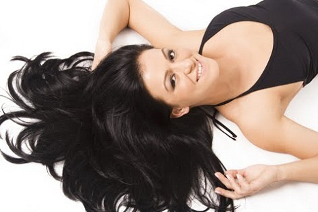 banho de petróleo para cabelos pretos