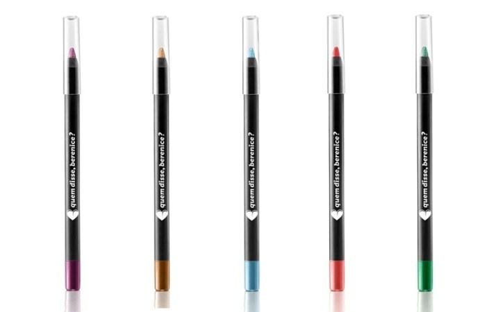 Lápis colorido na linha d'água