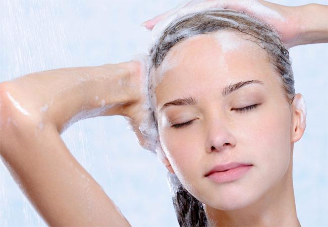 Lavar o cabelo todos os dias faz mal