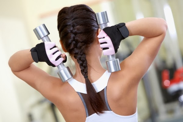 Dicas para não danificar os cabelos durante o treino