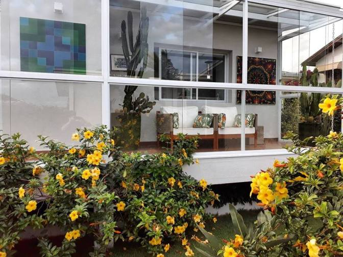 adriano-gronard-arquitetura-interiores-paisagismo-varanda-mandala-flores-alamanda