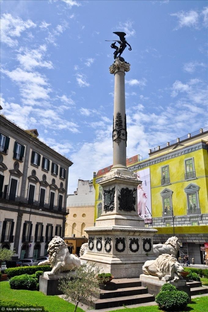Napoli, Piazza dei Martiri