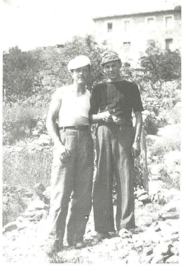 """Da sinistra, Francesco Garini e Ampeglio """"Elio"""" Bregliano nel rifugio di Negi"""
