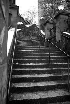 The News Steps, Edinburgh