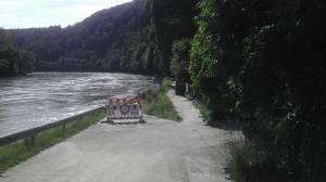 Sperrung wegen Überflutung