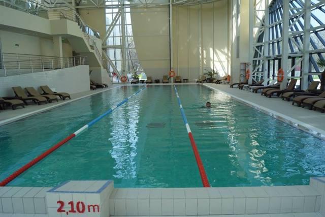 Înotul este un sport complex