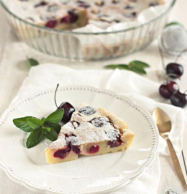 Receta fácil de Clafoutis de cerezas y almendras