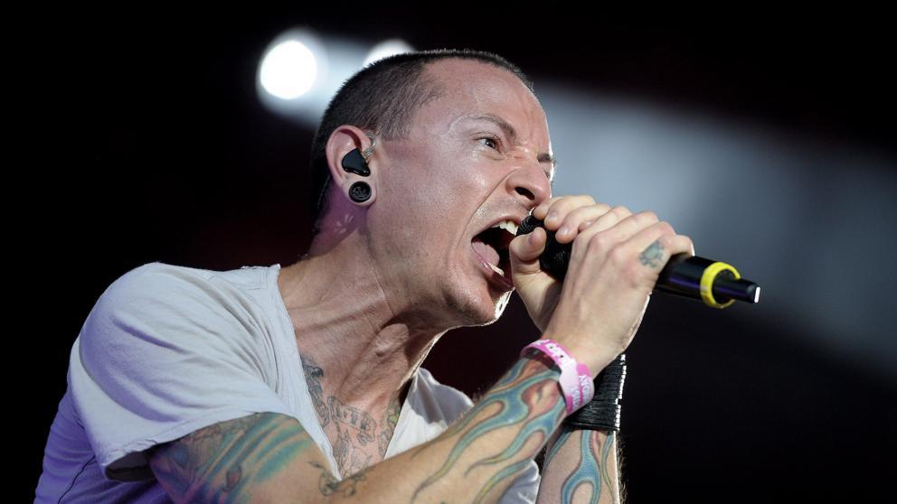 Muere ahorcado a Chester Bennington, cantante de Linkin Park