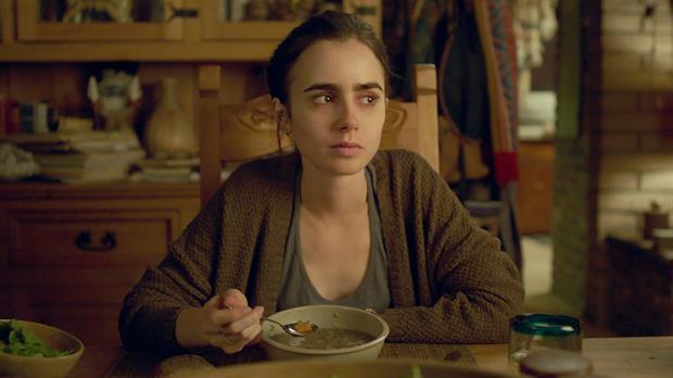 Hasta el hueso, la nueva película de Netflix sobre la anorexia: los especialistas alertan sobre el enfoque