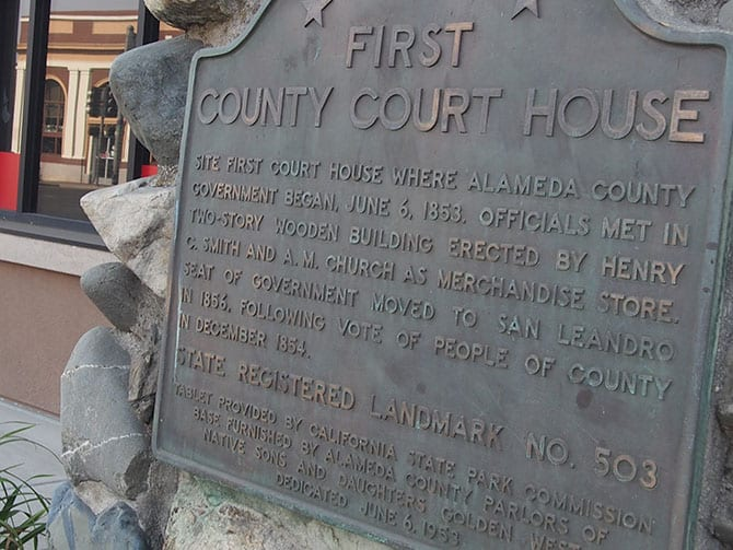 Alameda County First Courthouse Plaque