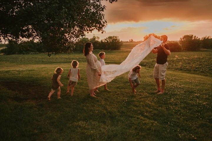 LUNDE FAMILY MATERNITY SESSION | NORTH AURORA IL MATERNITY PHOTOGRAPHER