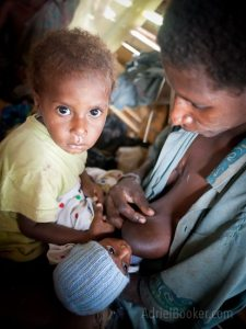 Umi and Komi Project Baby Bilum ring slings Adriel Booker Love A Mama Community PNG maternal health-238