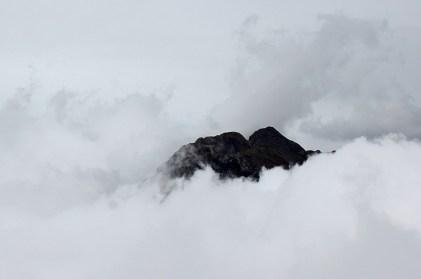 petit astazou dans les nuages