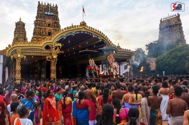 நல்லூர் கந்தசுவாமி ஆலய 9 ம் நாள் உற்சவம் 3