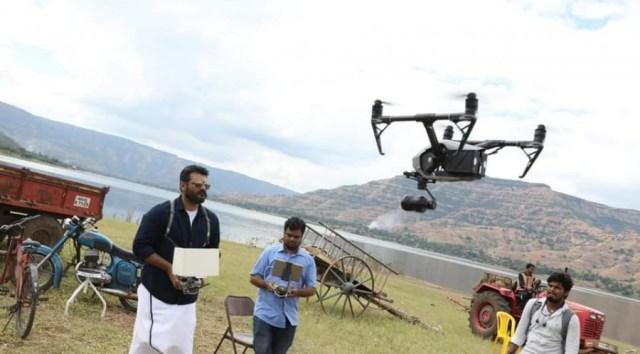 விஸ்வாசம் படப்பிடிப்பில் Drone பயன்படுத்திய அஜித்தின் புகைப்படம் 2
