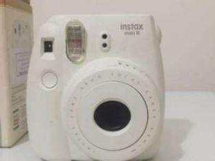 كاميرا فورية حالة جديدة )FUJIFILM (  كاميرا فورية حالة جديدة )FUJIFILM (